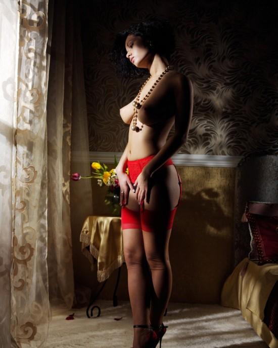 Секс с девушкой в чулках на подвязках 24 фотография